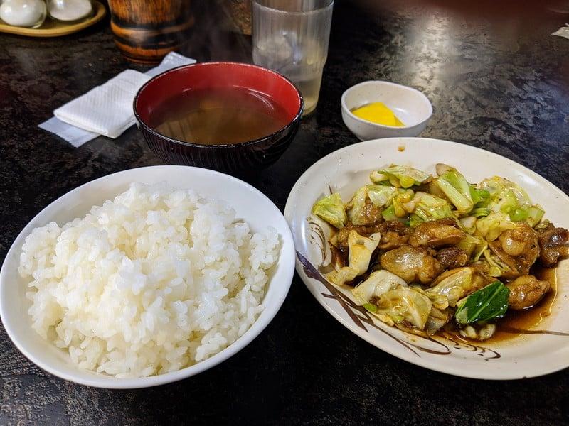 名阪上野忍者ドライブイン おすみ ホルモン定食