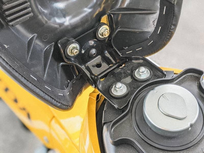 クロスカブ シート交換 アウトスタンディングモーターサイクル